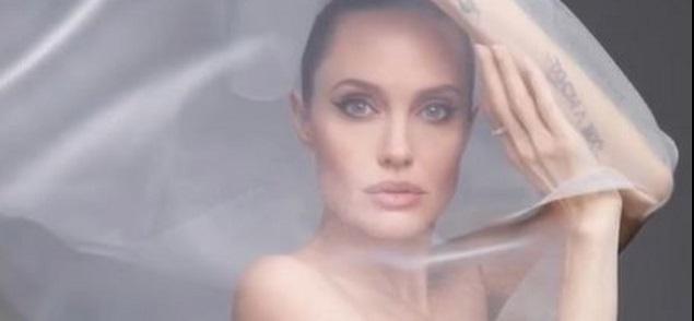 Angelina Jolie: ''Me gustaría vivir en el extranjero, pero tengo que quedarme donde está Brad Pitt''