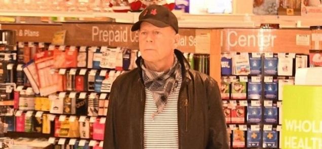 Bruce Willis fue expulsado de una farmacia de Los Ángeles por no usar mascarilla...