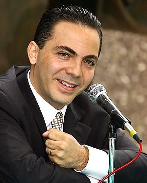 Christian Castro, beneficiado por el dictamen.