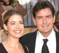 Denise Richards y Charlie Sheen en una dura pelea de divorcio.