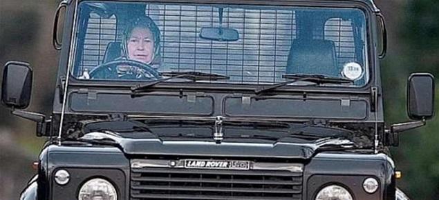 Isabel II dispuesta a dejar de conducir