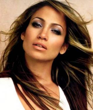 Jennifer Lopez expropió un collar.