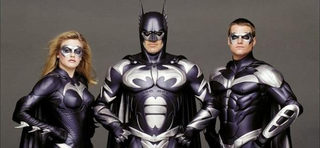 Joel Schumacher vuelve a pedir perdón por Batman y Robin