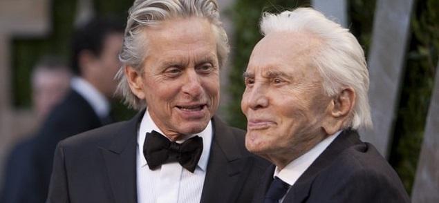 Kirk Douglas deja sus activos de más de 60 millones de dólares... a la caridad: Nada para Michael