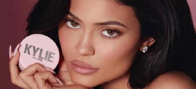 Kylie Jenner vende parte de su firma