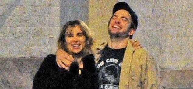 La nueva pareja de Robert Pattinson