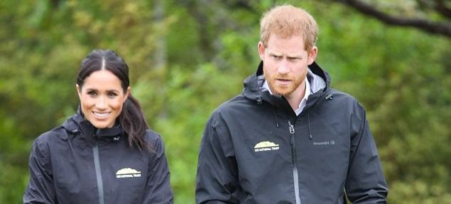 La reina prohíbe a Harry y Meghan usar el nombre Sussex Royal: ya no son ''royals''.