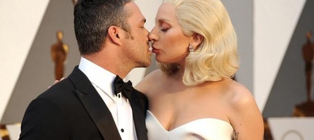 Lady Gaga explica el motivo de su separación