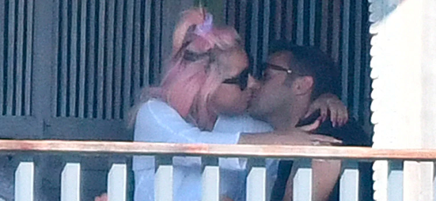 Lady Gaga muy feliz con Michael Polansky