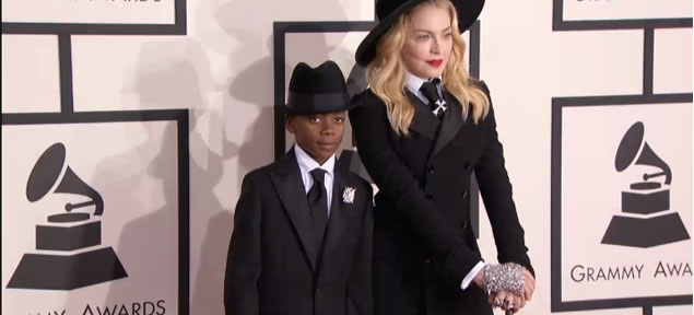 Madonna y su look durante los Grammy