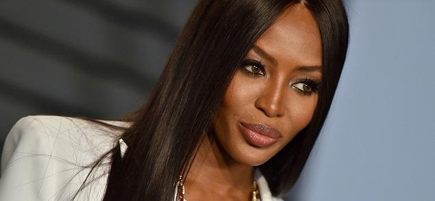 Naomi Campbell es reconocida como ícono de moda