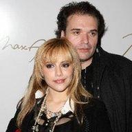 Falleció el viudo de Brittany Murphy.