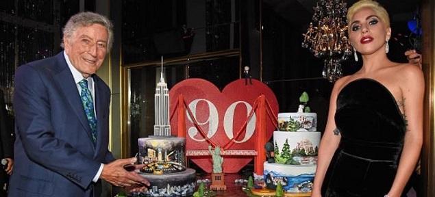 Tony Bennett celebra 90 años en Nueva York con Lady Gaga