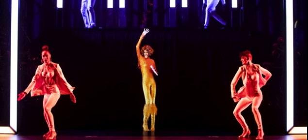 Whitney Houston vuelve al escenario 8 años después de su desaparición: una ilusión fantástica en tres dimensiones